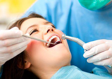 Limpieza dental en nuestras clinicas dentales en Palma de Mallorca y Sa Pobla